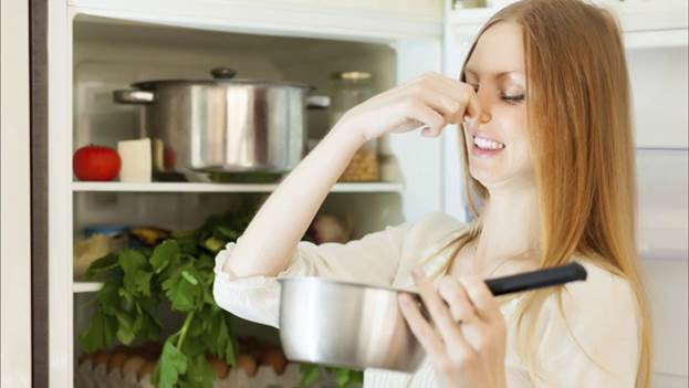 Почему возникает неприятный запах
