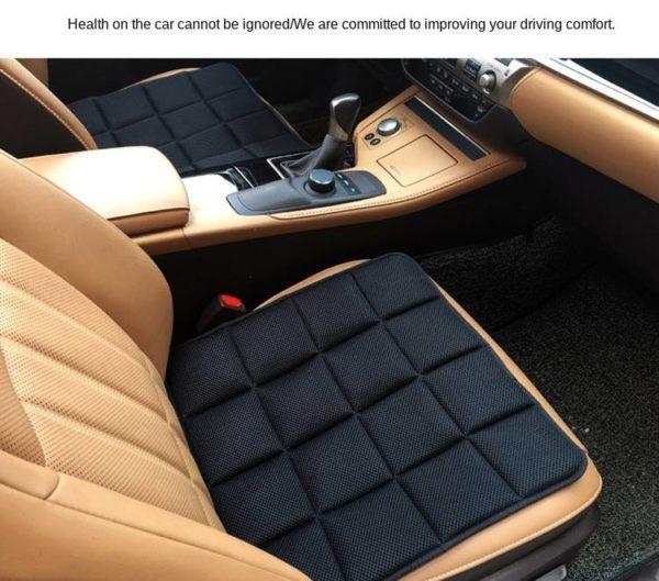 Подушка на сиденье автомобиля